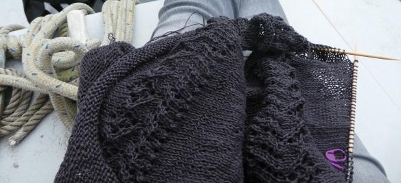 schooner knitting2-1030272